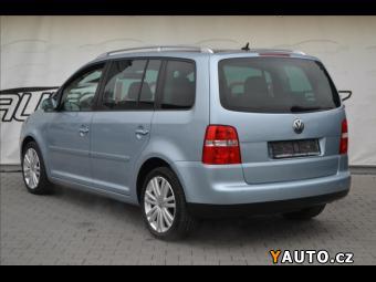 Prodám Volkswagen Touran 1,4 TSi HIGHLINE*NAVI*XENON*