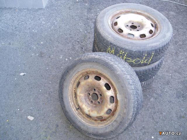 Prodám Škoda Octavia sada zimních kol 195, 65R15