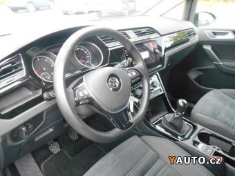 Prodám Volkswagen Touran 1.6 TDI 85kW Highline CZ