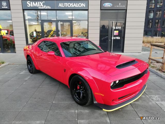 Prodám Dodge Challenger SRT 8 DEMON