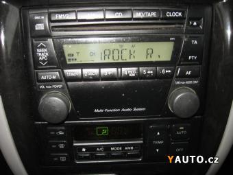 Prodám Mazda 626 2.0i, Servisní kniha
