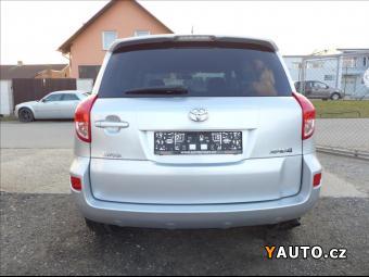 Prodám Toyota RAV4 2,2 D4D TOP STAV