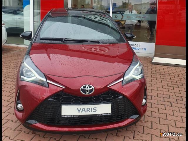 Prodám Toyota Yaris 1,5 Selection, AT, Hybrid