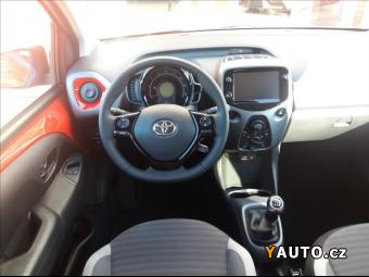 Prodám Toyota Aygo 1,0 XPlay, PAKET STYLE