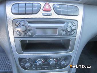 Prodám Mercedes-Benz Třídy C 2,1 C 220 CDi serviska+aut. kli