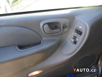 Prodám Chrysler Voyager 2,8CRD automat 7míst DPH