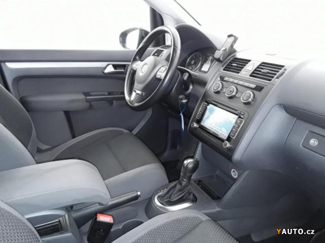 Prodám Volkswagen Touran 2,0TDI DSG 7MÍST