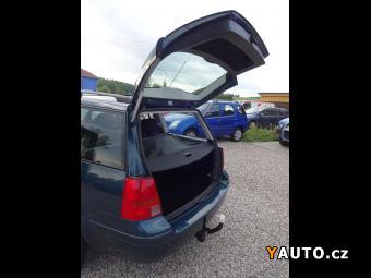 Prodám Volkswagen Golf 1,6i Variant,1.maj, tažné, 1. maj
