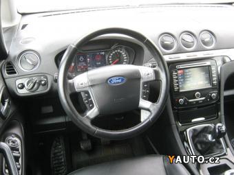 Prodám Ford S-MAX 2.0, TITANIUM, KŮŽE, NAVI, VÝHŘEV