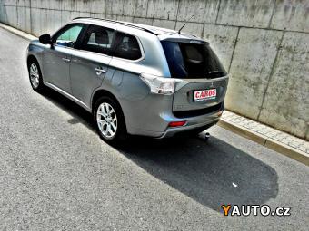 Prodám Mitsubishi Outlander INSTYLE 2.0 PHEV 4WD