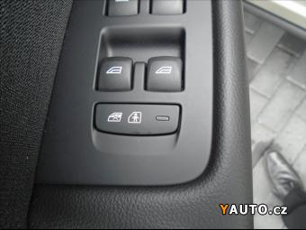 Prodám Volvo XC60 2,0 D4 AWD MOMENTUM
