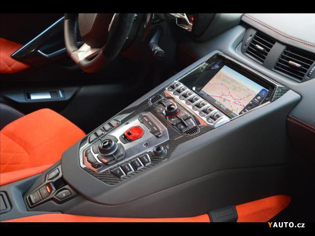 Prodám Lamborghini Aventador LP 700-4, Záruka, Karbony
