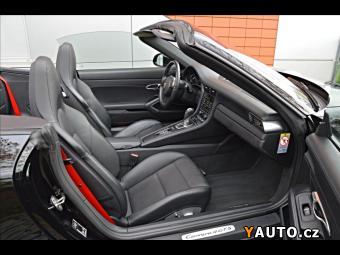 Prodám Porsche 911 CARRERA 4 GTS, Serviska