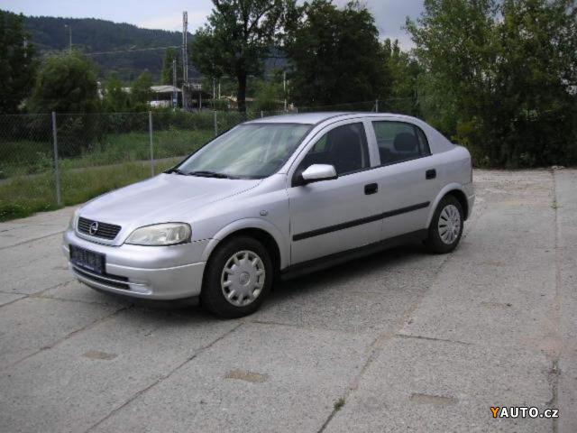 Opel Astra 1.2i