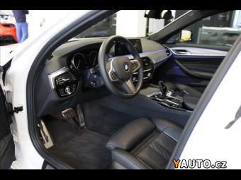Prodám BMW Řada 5 3,0 530d xDrive, M-Paket, LED, Dr