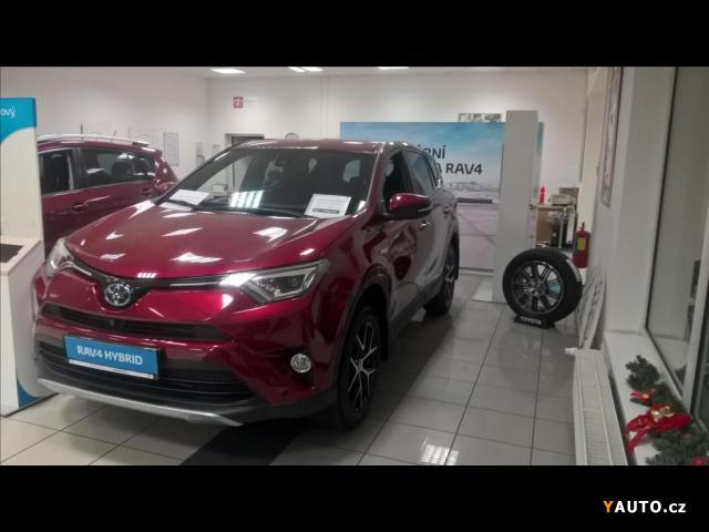 Prodám Toyota Rav4 2,5 Hybrid AWD Executive