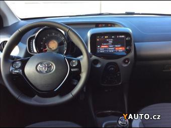 Prodám Toyota Aygo 1,0 X-Play + Style