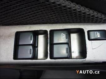 Prodám Nissan Navara 2,5 DCi 4WD Klima Double-Cab