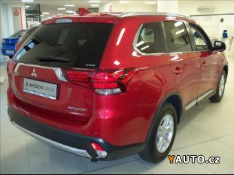 Prodám Mitsubishi Outlander 2,2 Di-D 4WD 6MT Intense