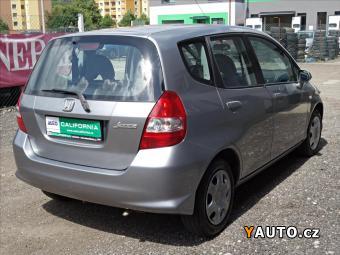 Prodám Honda Jazz 1,2 i-DSI, klima, serviska, TOP