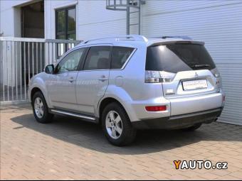 Prodám Mitsubishi Outlander 2,4 MIVEC Intense+