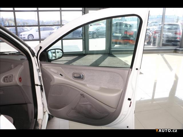 Prodám Nissan Almera Tino 1,8 SERVISNÍ KNIHA prodej