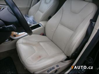 Prodám Volvo XC60 2,4 AWD AUT DPH NAVI NEHAVAROV