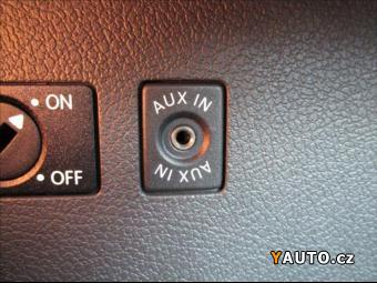 Prodám Volkswagen Caddy 1,6 TDI BLUEMOTION TRENDLINE