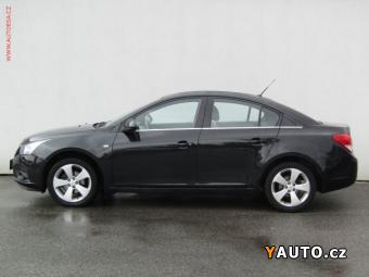 Prodám Chevrolet Cruze 1.8 16V, ČR, +sada pneu