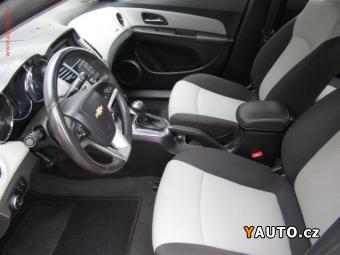 Prodám Chevrolet Cruze 2.0 VCDi LT, 120kW, aut. klima