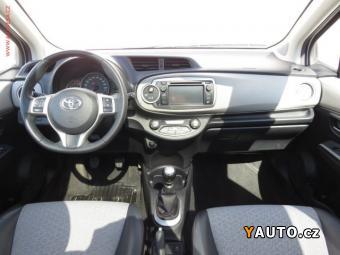 Prodám Toyota Yaris 1.3 VVT-i, Navi, panorama