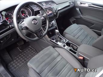 Prodám Volkswagen Touran 2,0 TDI DSG SCR Highline PDC