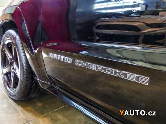 Prodám Jeep Grand Cherokee 6,4 SRT EU Černé disky