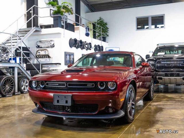 Prodám Dodge Challenger 3,6 GT AWD 300HP MY2019