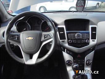 Prodám Chevrolet Cruze 2,0 VCDi NAVI, MAX. VÝBAVA, TAŽNÉ