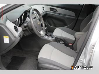 Prodám Chevrolet Cruze 1.6 16V, +sada pneu