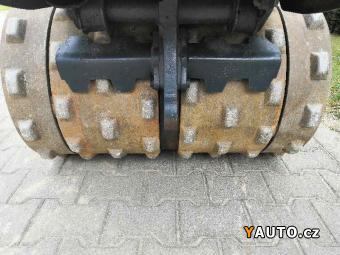 Prodám Bomag Vibrační ježkový válecBMP 8500