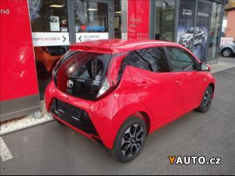 Prodám Toyota Aygo 1.0 X-play + style