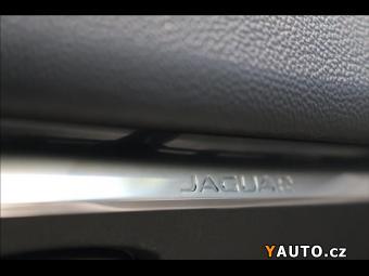 Prodám Jaguar F-Pace 2,0 D 4WD PURE AT180K 1majČR