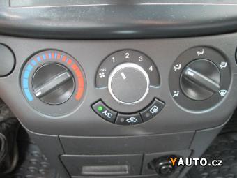 Prodám Chevrolet Aveo 1.2 62kW, klima.