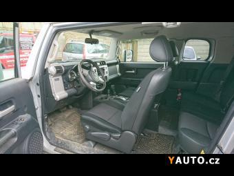 Prodám Toyota FJ 4.0 V6 a