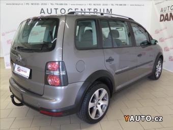 Prodám Volkswagen Touran 2,0 TDI Cross tažné, vyhř. sed.