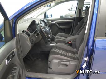 Prodám Volkswagen Touran 2,0 TDI DSG United 1. majitel