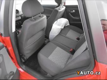 Prodám Seat Ibiza 1,2 i, klimatizace, serviska