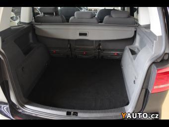 Prodám Volkswagen Touran 2.0 TDI DSG Highline