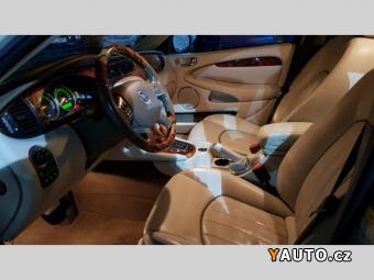 Prodám Jaguar X-Type 3,0 V6 AWT AT KŮŽE NAVI XEN