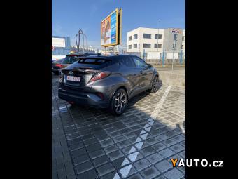Prodám Toyota C-HR 1.8 hybrid
