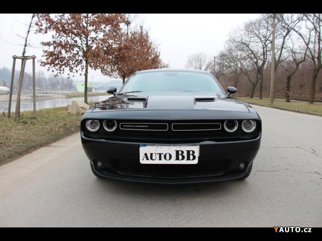 Prodám Dodge Challenger 3.6L, VVT Premium