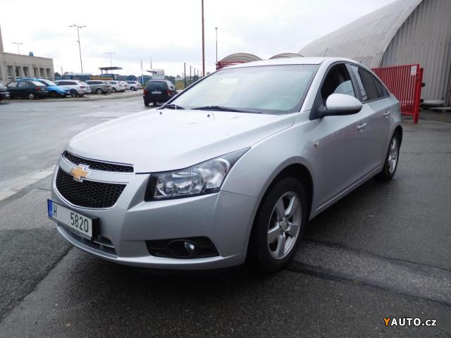 Prodám Chevrolet Cruze 1.8i16V, SERV. KNIHA