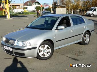 Prodám Škoda Octavia 1.6i 75kW KLIMA TAŽNÉ 1MAJ SER